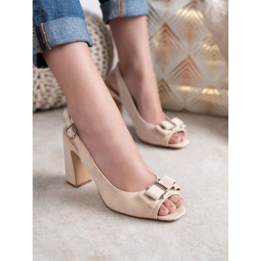 Elegantné dámske béžové sandále s ozdobnou mašličkou