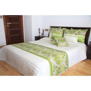 Biely prehoz na posteľ so zelenými ornamentami