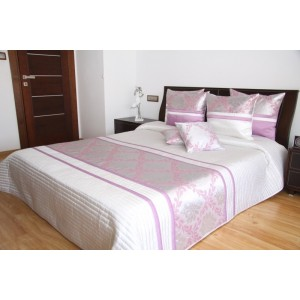 Biely prehoz na posteľ s ružovým ornamentom
