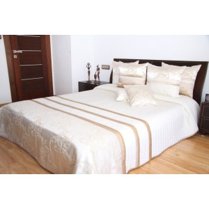Biely elegantný prehoz na posteľ
