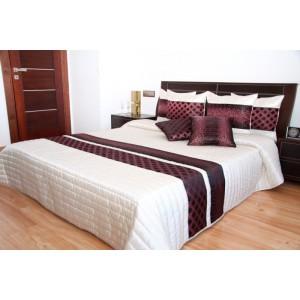 Prehoz na posteľ s bordovým vzorom