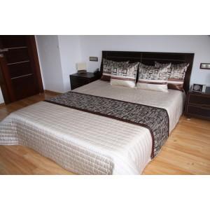 Vzorovaný prehoz na posteľ krémovej farby