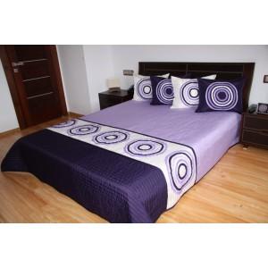 Fialový prehoz na posteľ s geometrickými útvarmi