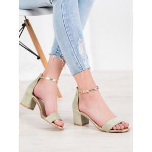 Originálne sandále na nízkom podpätku v zelenej farbe