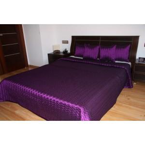 Fialový prešívaný prehoz na posteľ