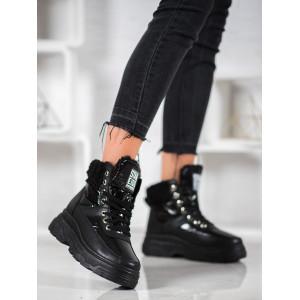 Čierna dámska zateplená obuv na vysokej platforme