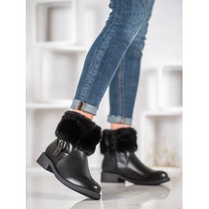Elegantná dámska zimná obuv s kožušinou čiernej farby