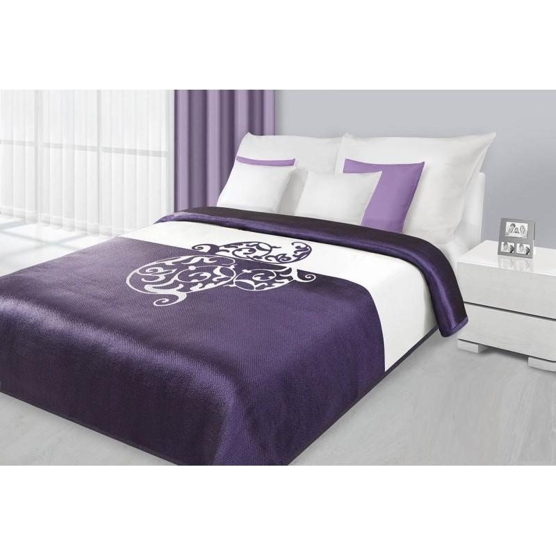 a5edfb298 Fialové prehozy s ornamentom na posteľ - fashionday.eu