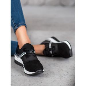 Čierna dámska športová obuv s motívom hadej kože
