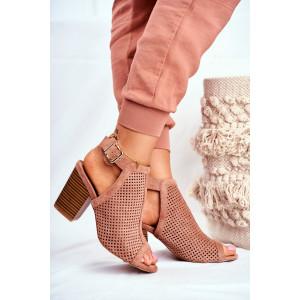 Ružové dámske sandále na opätku imitujúcom drevo