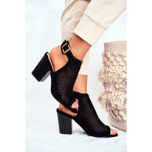 Dámske čierne sandále s viazaním na remienok