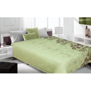 Prehoz na posteľ zelenej farby s kvetmi