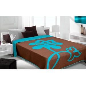 Prehozy na posteľ hnedej farby so vzorom