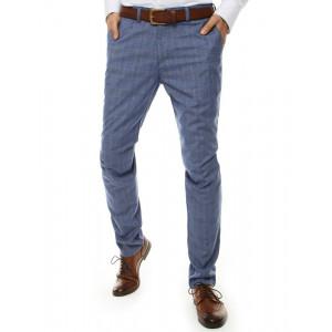 Štýlové pánske modré chinos nohavice so vzorom kára