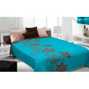 Modrý prehoz na posteľ s hnedým vzorom