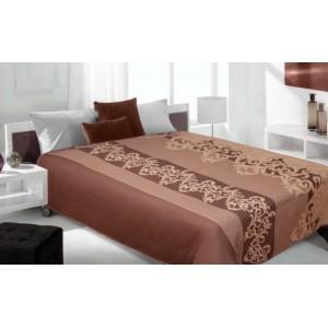 Hnedý prehoz na posteľ s hnedými vzormi