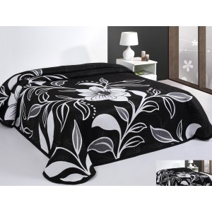 Prehoz na posteľ čierny s bielymi kvetmi