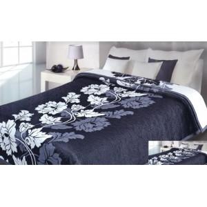 Tyrkysový prehoz na posteľ s bielym kvetom