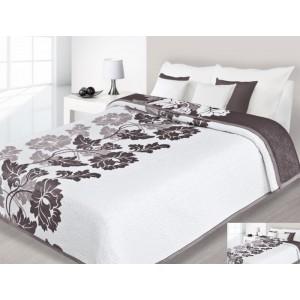 Biely prehoz na posteľ s hnedými kvetmi