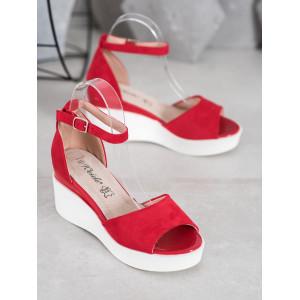 Semišové dámske sandále na platforme v červenej farbe