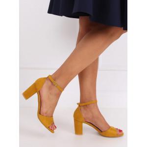 Letné dámske žlté semišové sandále s otvorenou špičkou