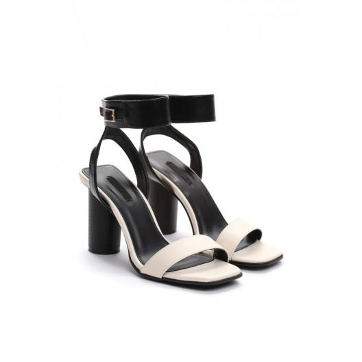 VEĽKOSŤ 38 Dámske sandále na leto béžovej farby