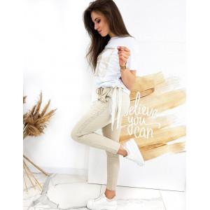 Dámska biela luxusná súprava s tričkom a teplákami