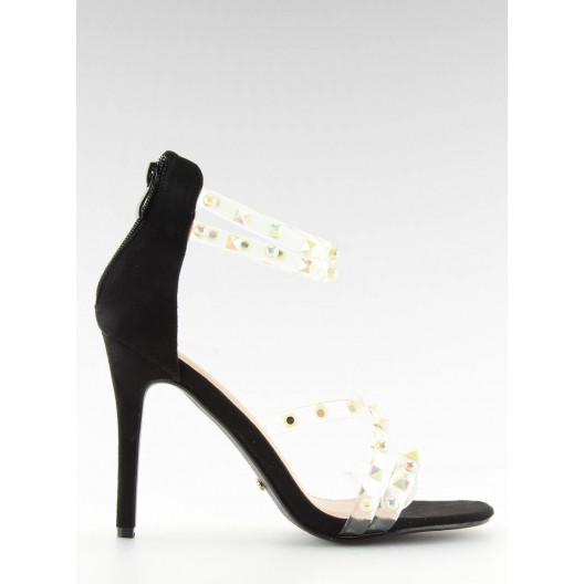 Čierne sandále so silikonovými páskami a vybíjaním