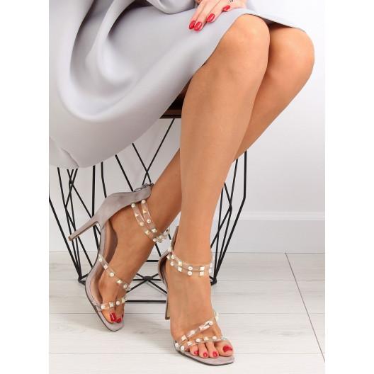 Šedé sandále so silikonovými páskami a vybíjaním