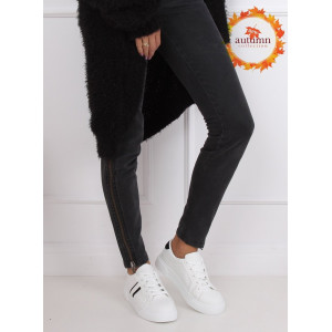Biele dámske tenisky s kontrastnými čiernymi pruhmi