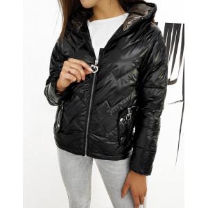 Elegantná čierna prechodná bunda so zapínaním na zips