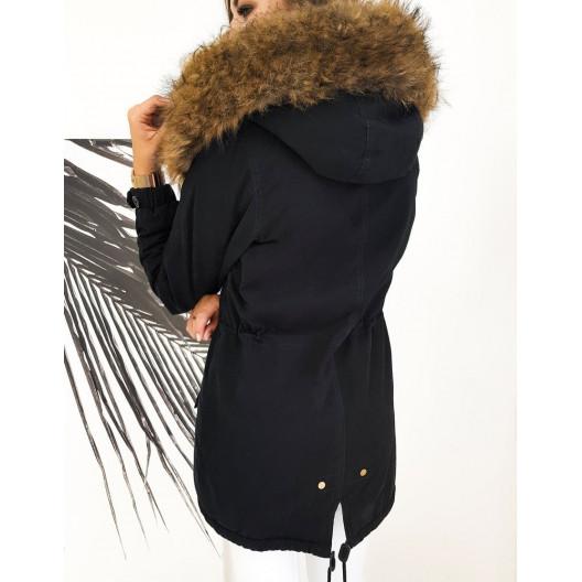 Dámska zimná parka s kapucňou čiernej farby