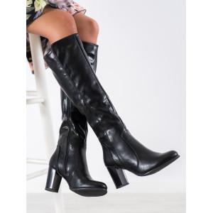 Luxusné dámske čižmy čiernej farby na vysokom podpätku