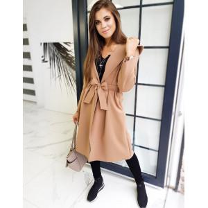 Prechodný dámsky kabát hnedej farby s opaskom