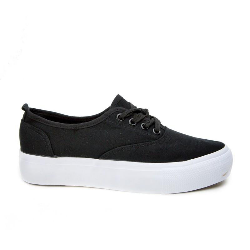 Dámske tenisky čiernej farby s hrubou podrážkou - fashionday.eu 37fa5257773