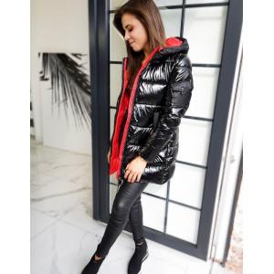 Dámska prechodná bunda čiernej farby s červenou podšívkou