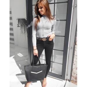Krásny dámsky pohodlný sivý sveter