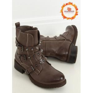 Hnedé dámske kotníkové topánky s trendy prackami a vybíjaním