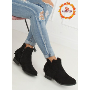 Čierne dámske kotníkové topánky s módnymi strapcami
