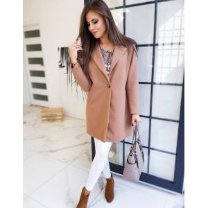 Elegantný dámsky camel kabát so zapínaním na gombíky