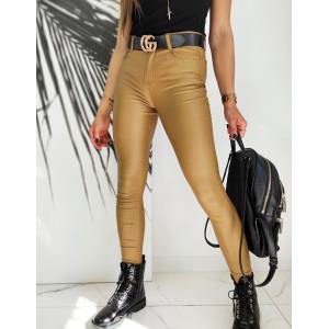 Originálne dámske nohavice koženkového vzhľadu v zlato hnedej farbe