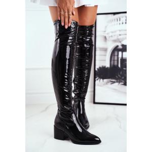 Čierne lesklé dámske čižmy nad kolená