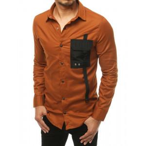 Karamelovo hnedá pánska košeľa s designovým náprsným vreckom