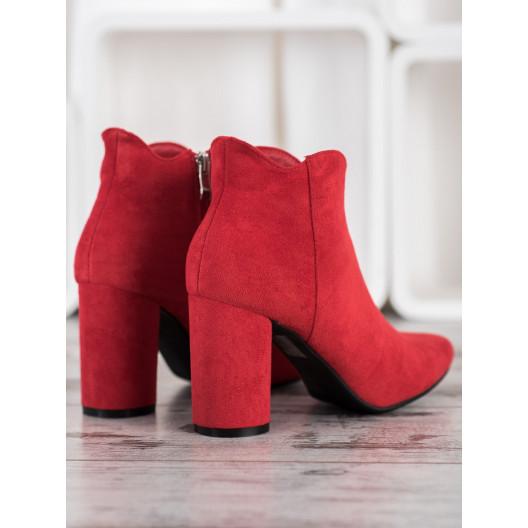 Luxusná členková obuv na podpätku červenej farby