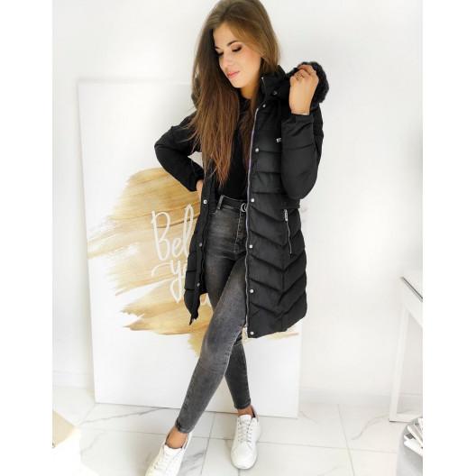 Štýlová dámska čierna prešívaná bunda s kožušinou a kapucňou
