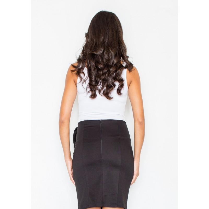 244b8dc92780 Elegantná čierna sukňa s mašľou na boku  Elegantná čierna sukňa s mašľou ...