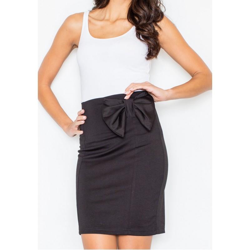 5c3b4accfbdb Elegantná čierna sukňa s mašľou na boku - fashionday.eu