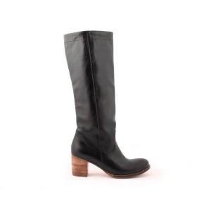 Luxusné dámske čierne kožené čižmy z kvalitného materiálu