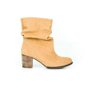 Dámske členkové kožené topánky v modernej kamelovej farbe