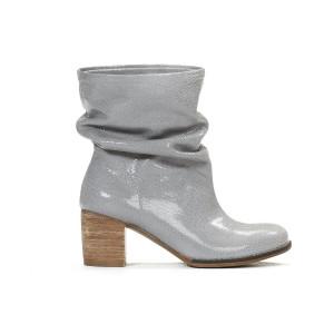 Lesklé sivé dámske kožené členkové topánky